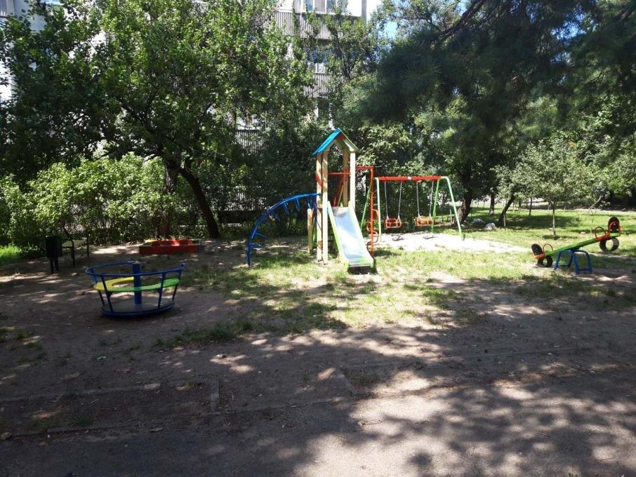 У Дніпровському районі осучаснили садочок і встановили дитячий майданчик
