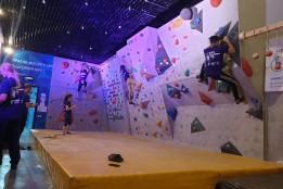 У столиці завдяки ГБ відбулися змагання зі скелелазання серед студентів